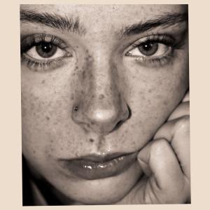 Album Vanilla (Stairwell Version) from Holly Humberstone