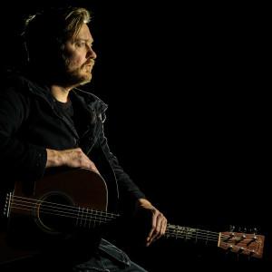 Listen to Tot Die Son Uitkom (Live) song with lyrics from Francois Van Coke