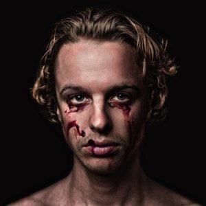 Isak Danielson的專輯Bleed Out
