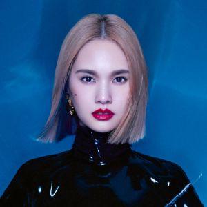 Nu Hai Men Rainie Yang, Cyndi Wang