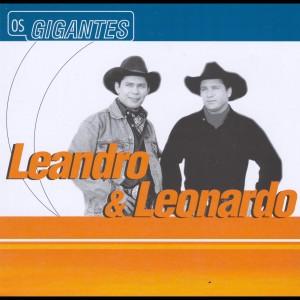 Album Gigantes from Leandro and Leonardo