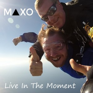 Album Live In The Moment from Maxo