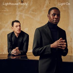 Lighthouse Family的專輯Light On