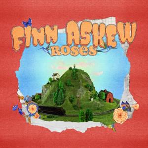 ดาวน์โหลดและฟังเพลง Roses พร้อมเนื้อเพลงจาก Finn Askew