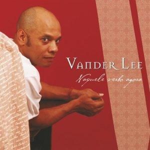 收聽Vander Lee的Ao meio歌詞歌曲