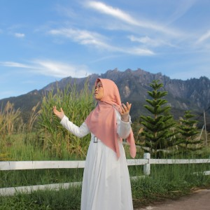 Innal Habibal Musthofa dari Dwi Dina Hijriana