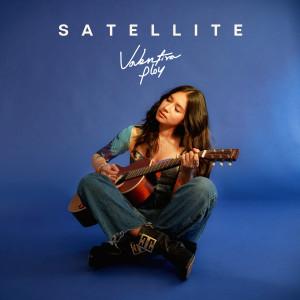 ดาวน์โหลดและฟังเพลง Satellite พร้อมเนื้อเพลงจาก Valentina Ploy