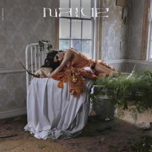 Album NAIVE from Gia Woods