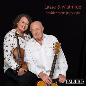 Album Snubler mens jeg ser på månen from Lasse & Mathilde