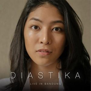 Live in Bandung dari Diastika