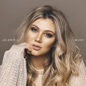 Album Mooi from Julanie J