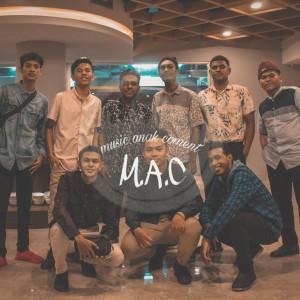Cuma Saya dari M.A.C