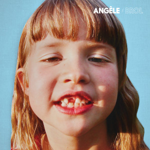 Listen to Ta reine song with lyrics from Angèle