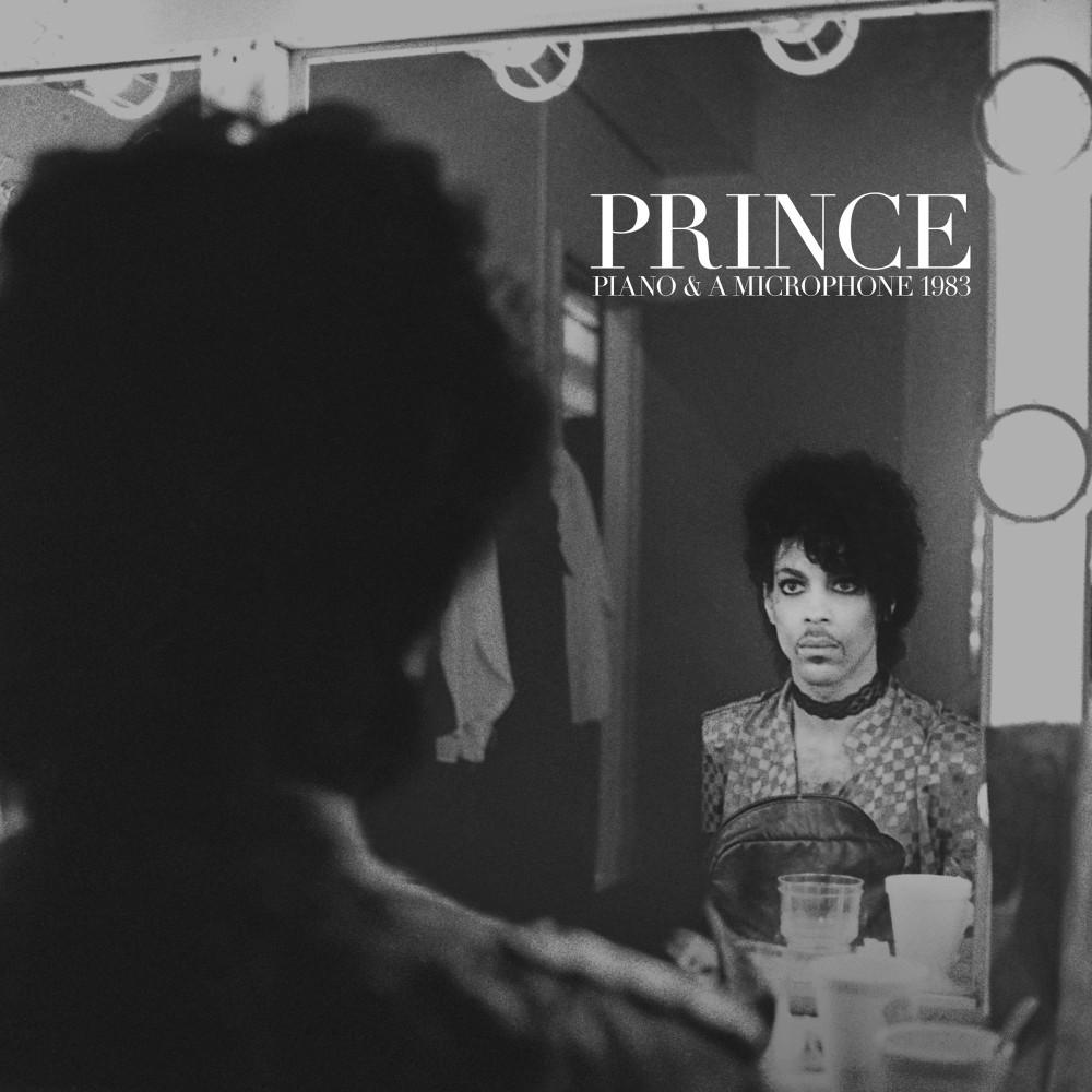ฟังเพลงอัลบั้ม Piano & A Microphone 1983