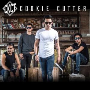 ดาวน์โหลดและฟังเพลง ไม่รักก็ปล่อย (Delete) พร้อมเนื้อเพลงจาก Cookie Cutter