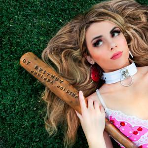07 Britney dari Chelsea Collins