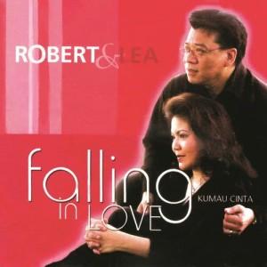 Falling in Love dari Robert & Lea