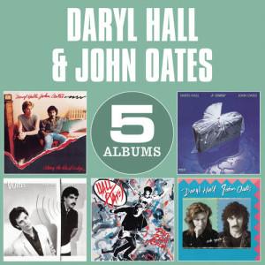 收聽Daryl Hall And John Oates的I'm In Pieces歌詞歌曲